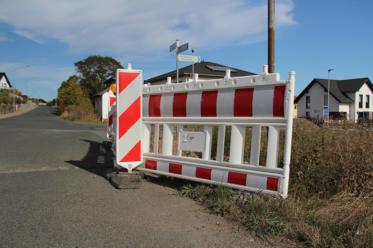 Baustellenabsperrung bei der Alten Gärtnerei in Rechtenbach